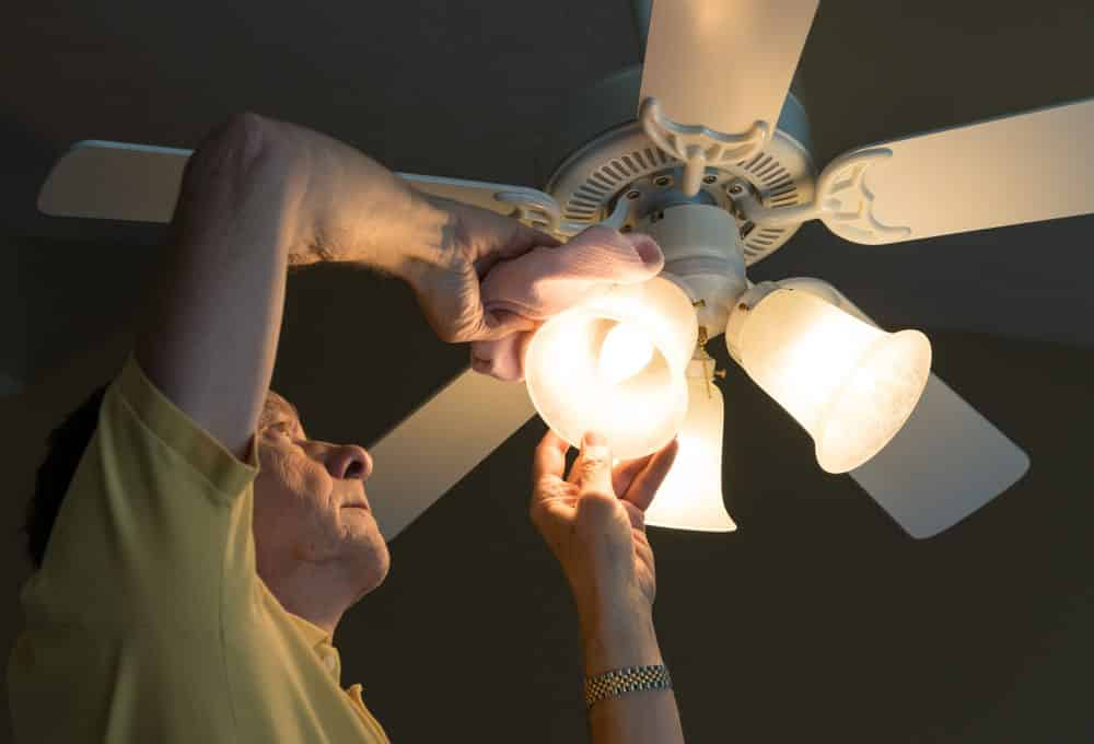 Tips on How to Replace a Ceiling Fan